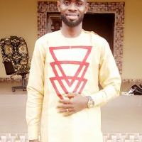 Tutor of english, mathematics, Sciences, chemistry – Emmanuel J.